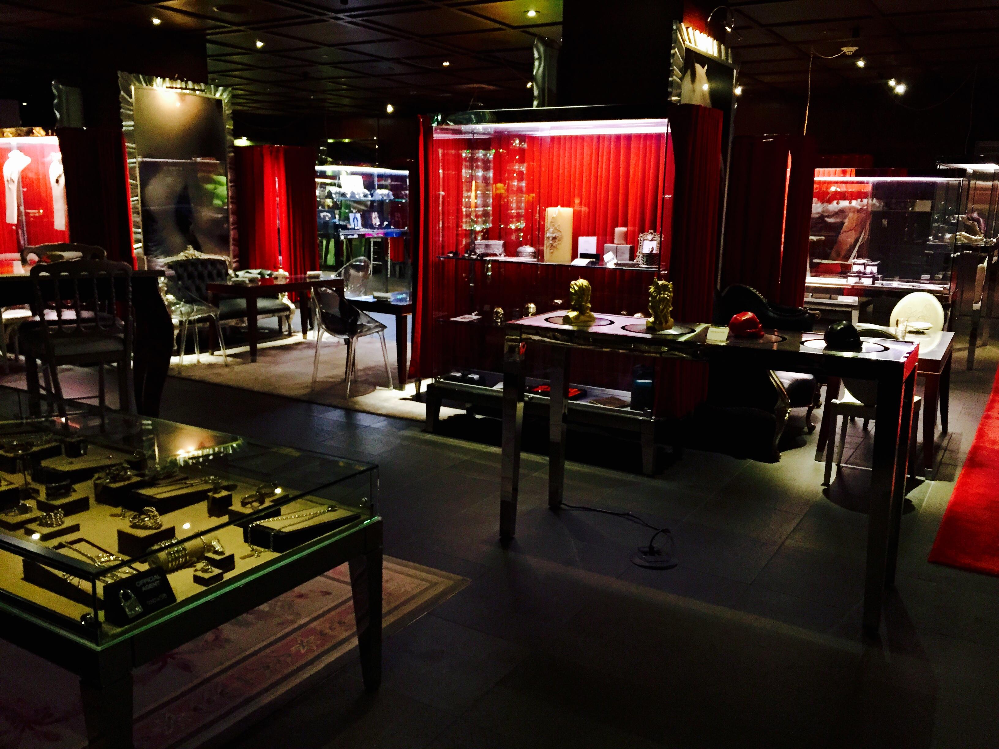saam_bazaar_interior
